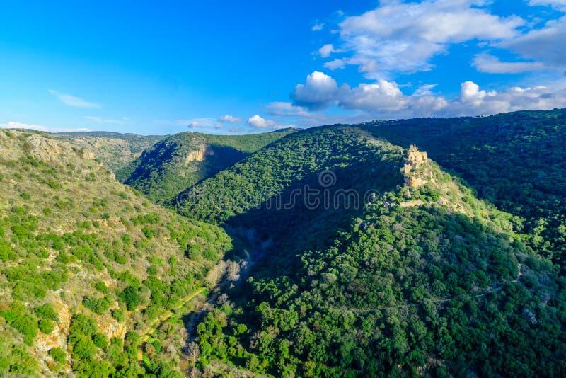 Montfort slott i den övreGalilee regionen fotografering för bildbyråer