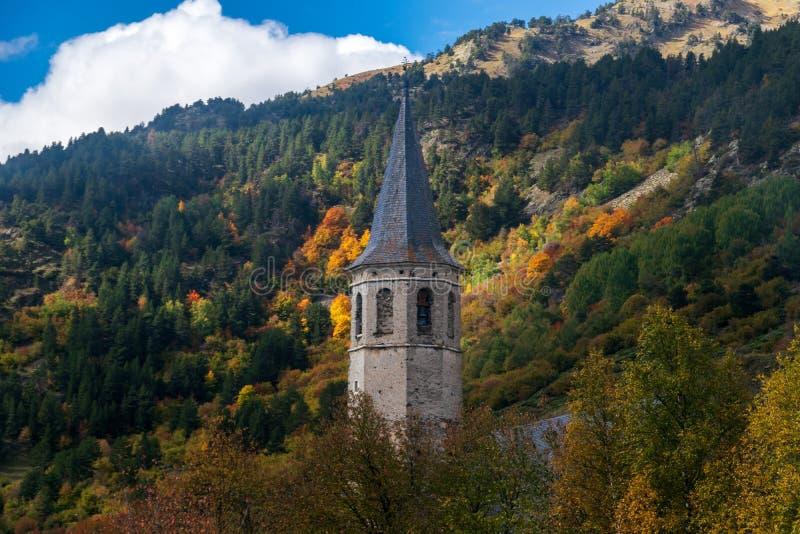 Montgarriheiligdom in de Pyreneeën, Spanje stock fotografie