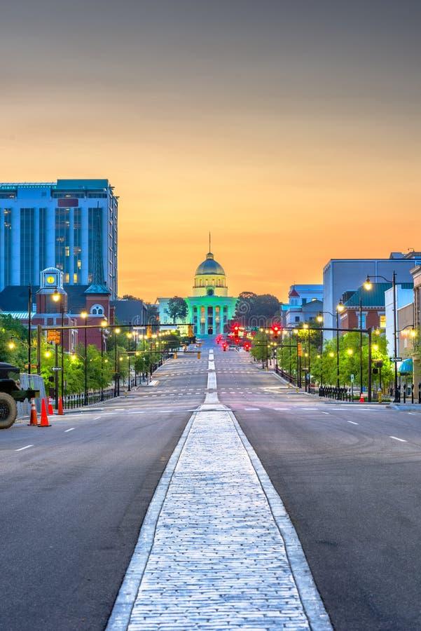 Montgomery, Alabama, USA mit dem Zustands-Kapitol lizenzfreies stockbild