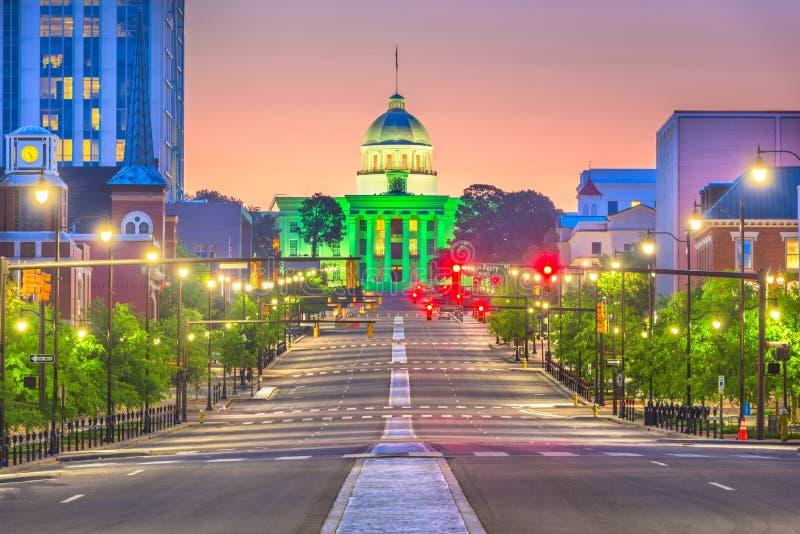 Montgomery, Alabama, USA mit dem Zustands-Kapitol stockfotografie