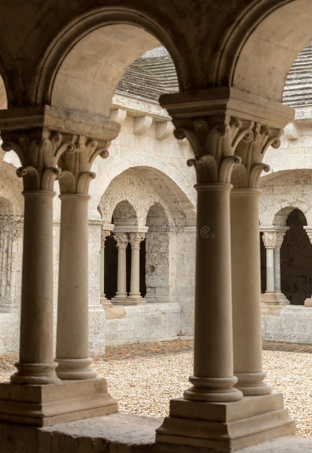 Montmajour abbotskloster nära Arles Provence Frankrike fotografering för bildbyråer