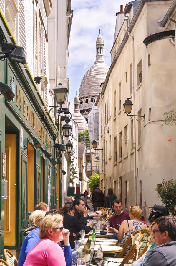 Montmartre Kaffee, Paris stockbild