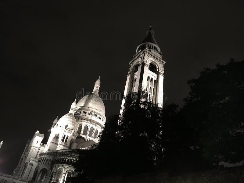 Montmartre par nuit Paris photographie stock libre de droits