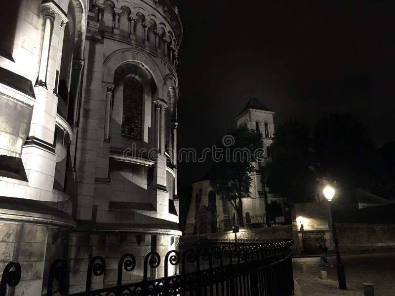 Montmartre par nuit Paris photo stock