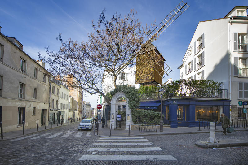 Montmartre, restaurant de moulin à vent de galette de La images stock