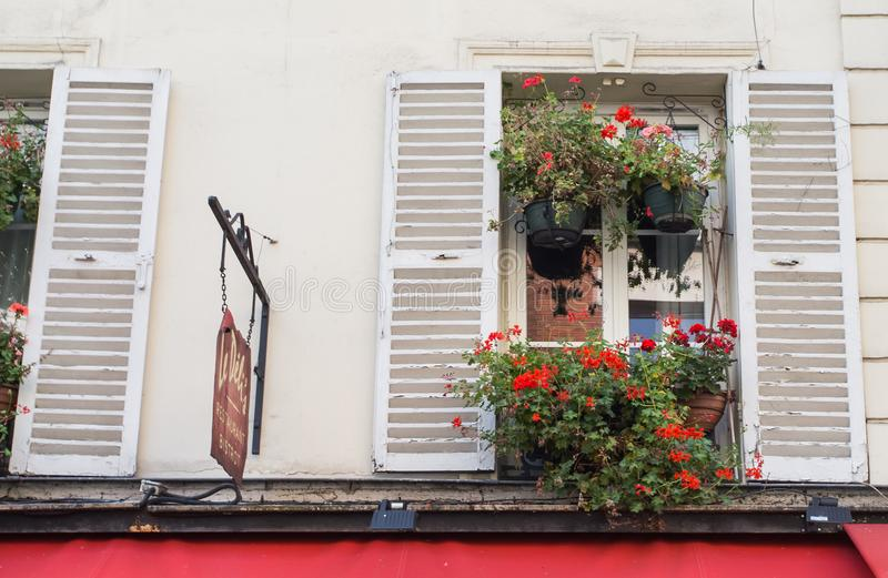 Montmartre-Straßen in Paris, Frankreich, Europa Gemütliches Stadtbild der Architektur und der Marksteine Reise sightseeng Konzept stockbild