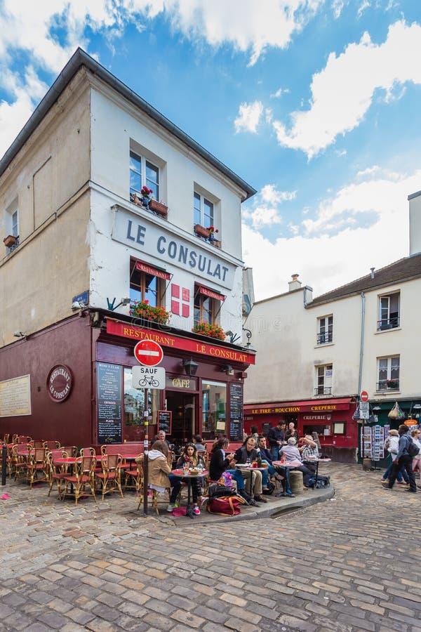 Montmartre teren jest wśród najwięcej popularnych miejsc przeznaczenia w Paryskim Francja fotografia royalty free