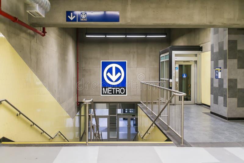 Montmorency metro (schodki i winda) obrazy royalty free