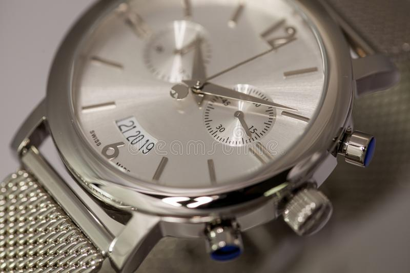 Montre-bracelet élégante images stock