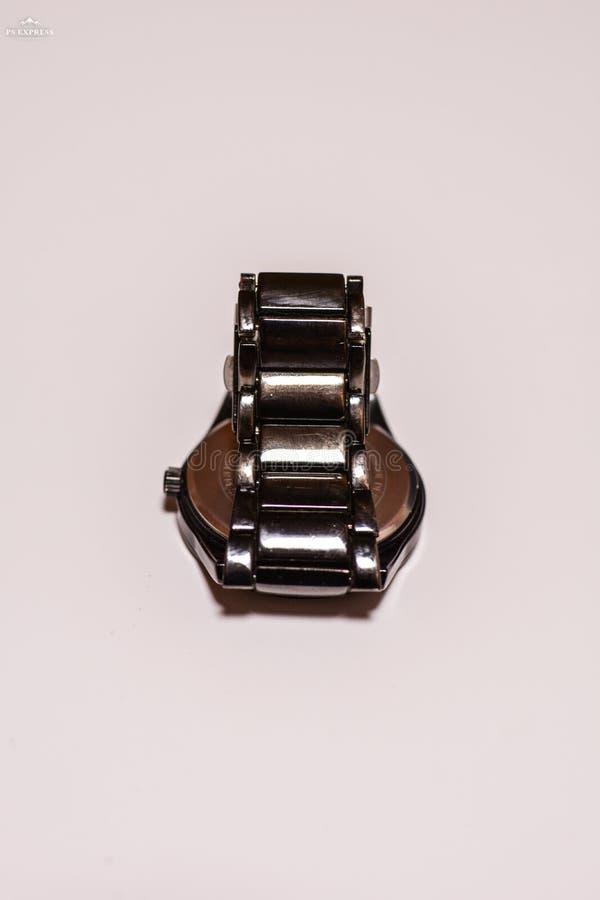 Montre-bracelet avec la courroie en métal image libre de droits
