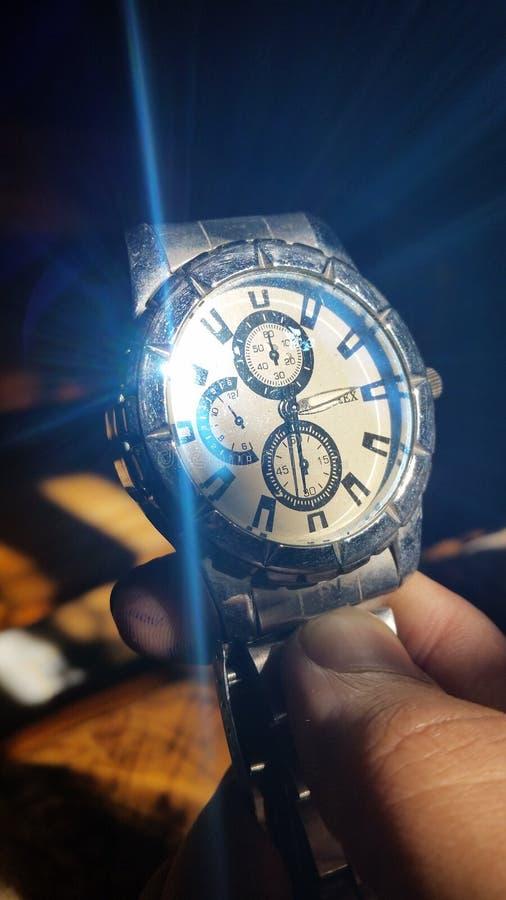 Montre d'horloge de papier peint image libre de droits