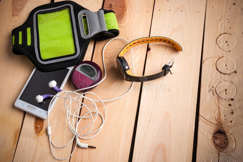 Montre de forme physique et moniteur de fréquence cardiaque photographie stock