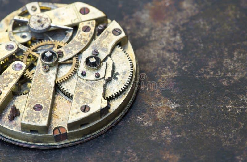 Montre de poche d'affaires, vitesses plan rapproché, mécanisme d'horloge de temps avec des vitesses en métal image libre de droits