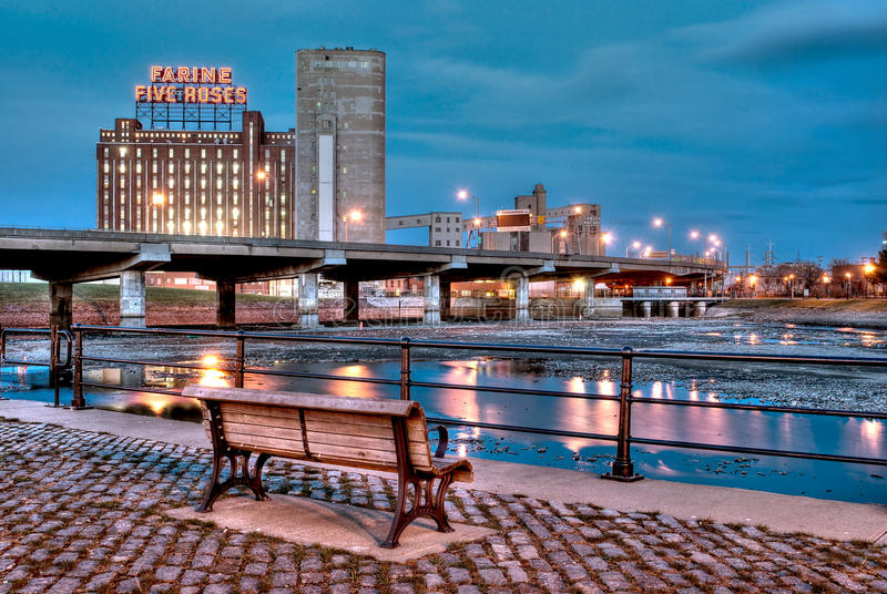 Montreal bij nacht royalty-vrije stock afbeelding