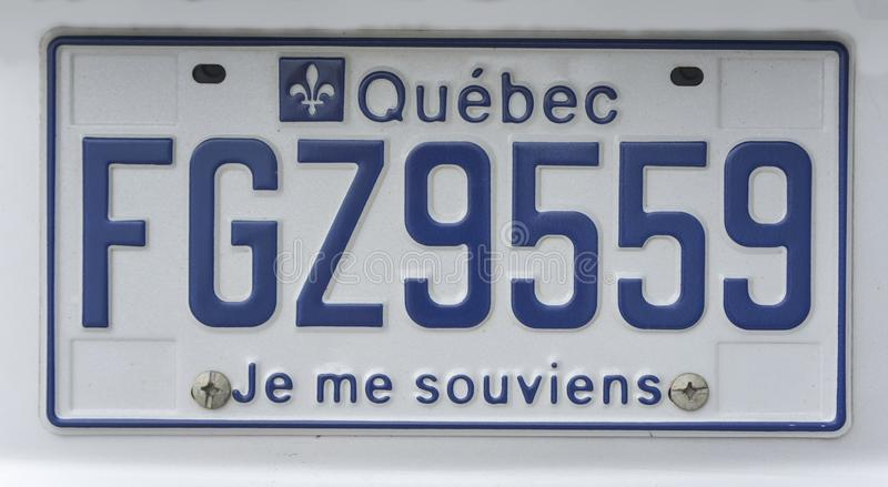 MONTREAL, CANADA - AUGUSTUS 22, 2014: Blauwe nummerplaat van Quebec, Canada Ik herinner me royalty-vrije stock fotografie