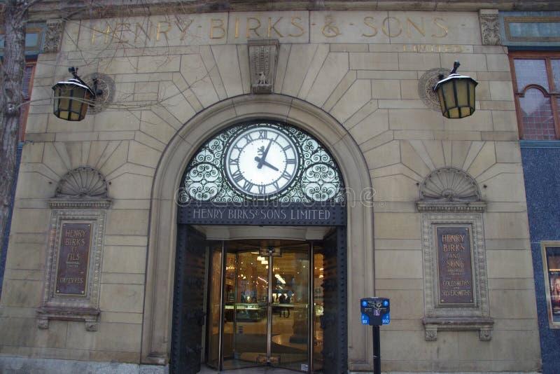 Montreal e a fachada muito retro do banco de Henry Birks foto de stock royalty free