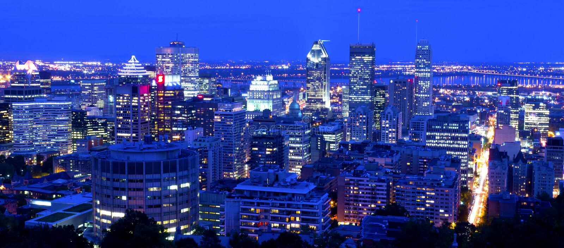 Montreal em a noite imagens de stock