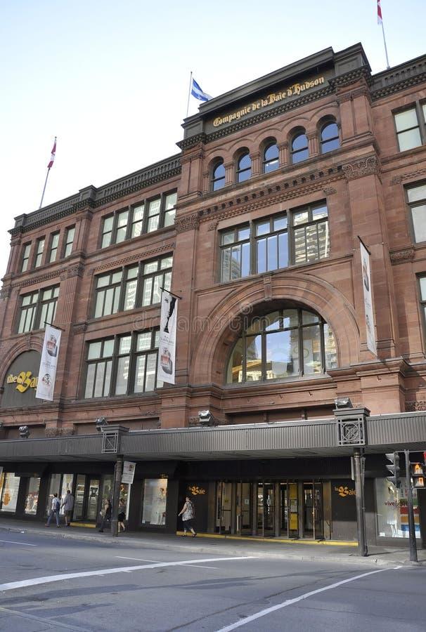 Montreal, 27 Juni: Magasinla Baie D ` Hudson Building van Montreal in de Provincie van Quebec van Canada stock fotografie