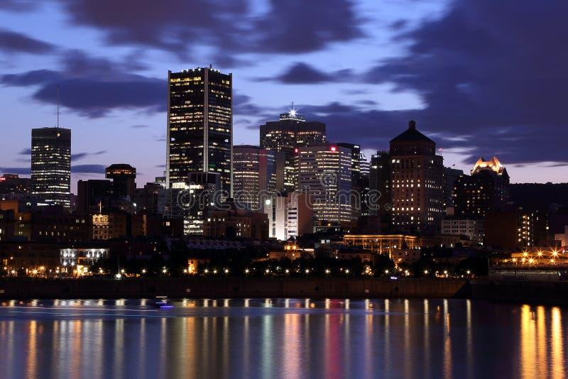 Montreal na noite foto de stock