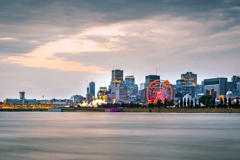 Montreal pejzaż miejski z nabrzeżem przy zmierzchem obraz royalty free