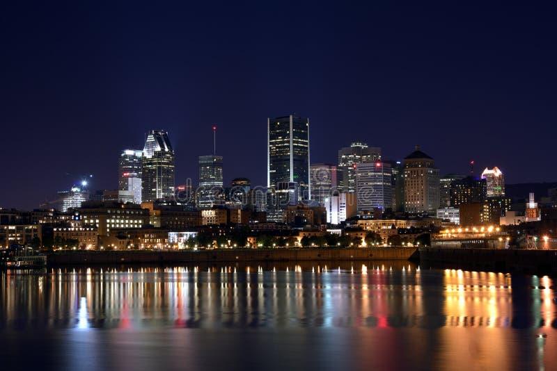 Montreal por noche imagen de archivo