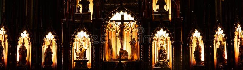 MONTREAL, QUEBEC, CANADÁ - 21 DE MAYO DE 2018: Interior de la Basílica-catedral de Notre-Dame De Quebec; La ciudad de Quebec, Que imagenes de archivo