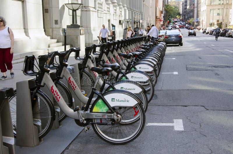 Montreal, Quebec, Kanada - 18. Juli 2016 - geteilte Fahrräder werden gezeichnet stockfoto