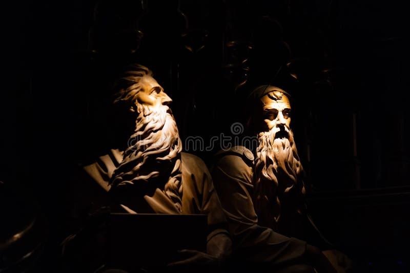 MONTREAL, QUEBEC KANADA, MAJ, - 21, 2018: Statui postacie wśrodku Notre-Dame De Quebec katedry obrazy stock