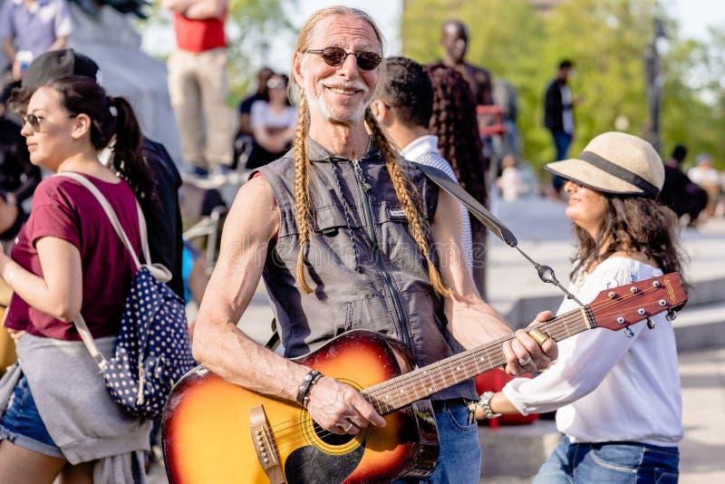 MONTREAL, QUEBEC KANADA, MAJ, - 20, 2018: uliczni wykonawcy Montreal w Montreal obrazy stock
