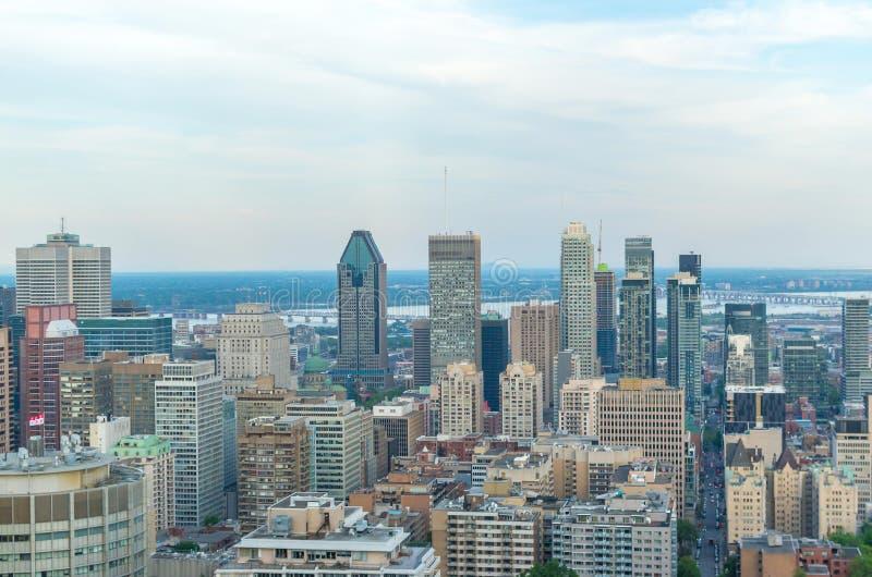 Montreal-Skyline im Sommer stockbild