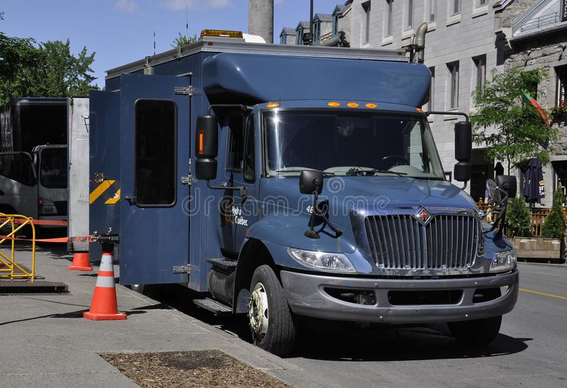 Montreal 26th Czerwiec: Pożarniczej usługa ciężarówka na Rucianym Notre Damae Montreal w Kanada zdjęcia royalty free