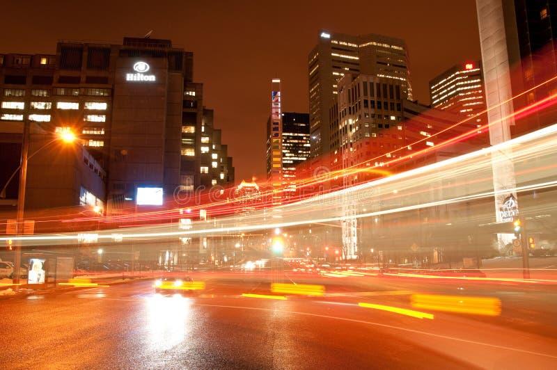 Montreal van de binnenstad bij nacht stock foto