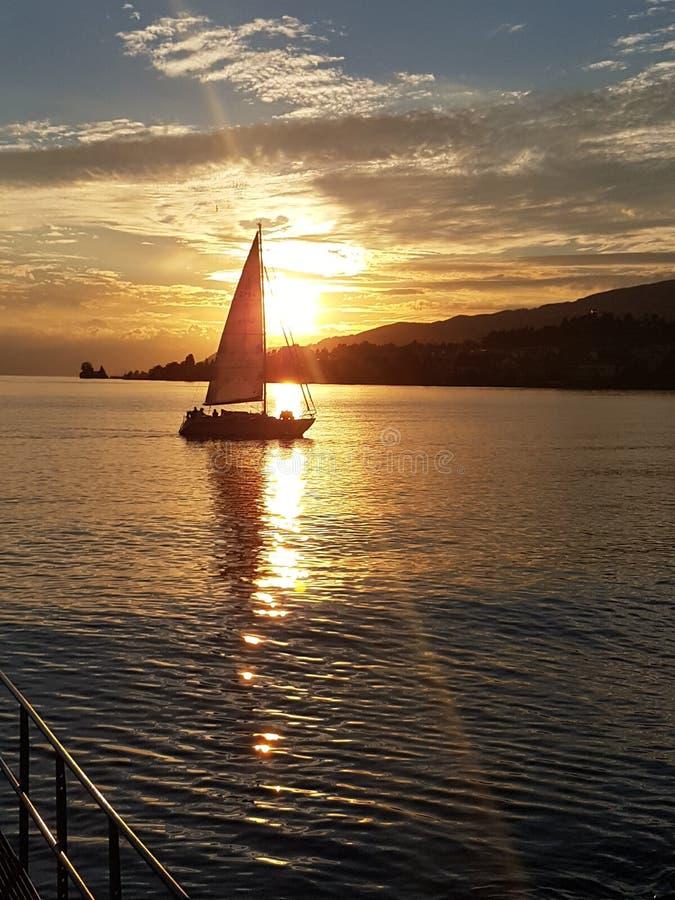 Montreux Suisse lac Léman et vue sura les montagnes zdjęcia stock