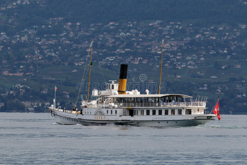 MONTREUX, SWITZERLAND/ EUROPE - SEPTEMBER 15: Vevey steaming along Lake Geneva near Montreux in Switzerland on September. 15, 2015. Unidentified people royalty free stock photography