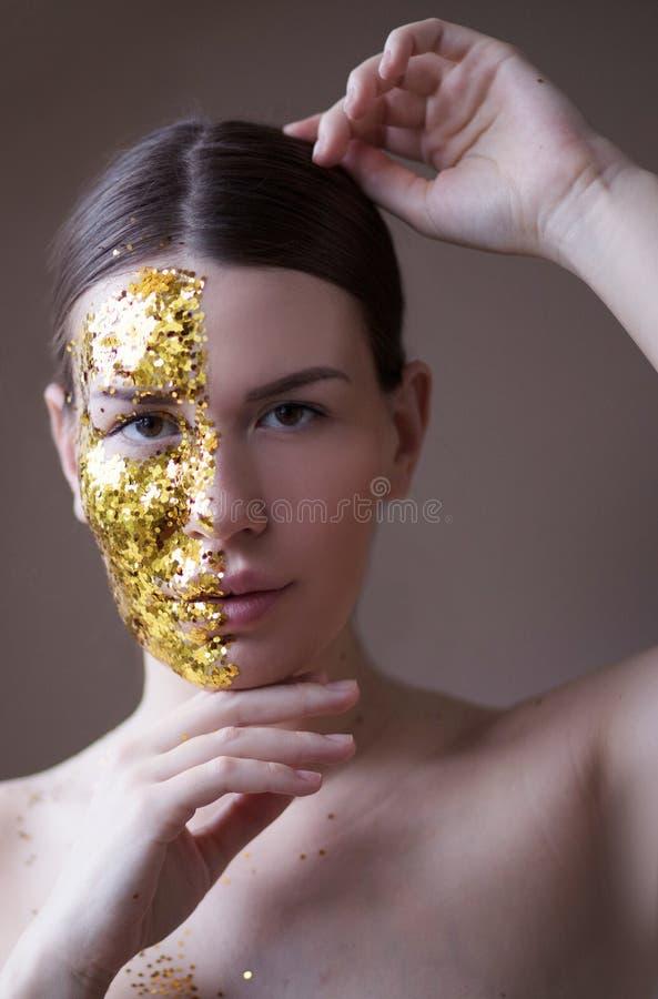 Montrez votre personnalité d'or photos libres de droits