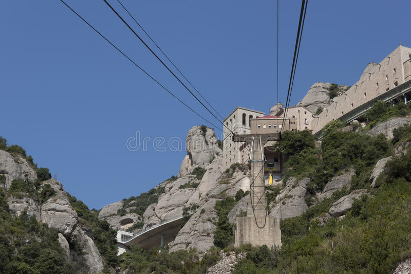 Montserrat, la cabina di funivia al monastero immagine stock libera da diritti
