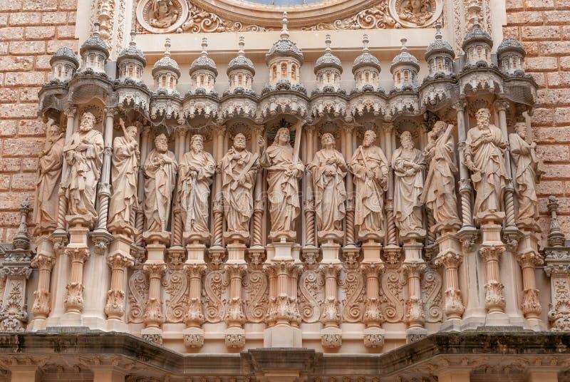 Montserrat Monastery, uma elevação espetacularmente bonita da abadia do licor beneditino acima na Espanha das montanhas foto de stock royalty free