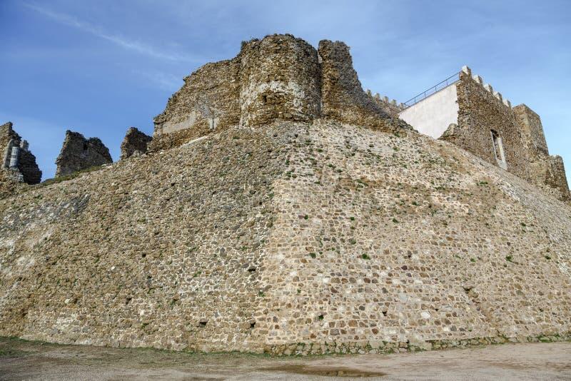Montsoriu城堡在蒙塞尼自然公园,卡塔龙尼亚西班牙 免版税库存图片