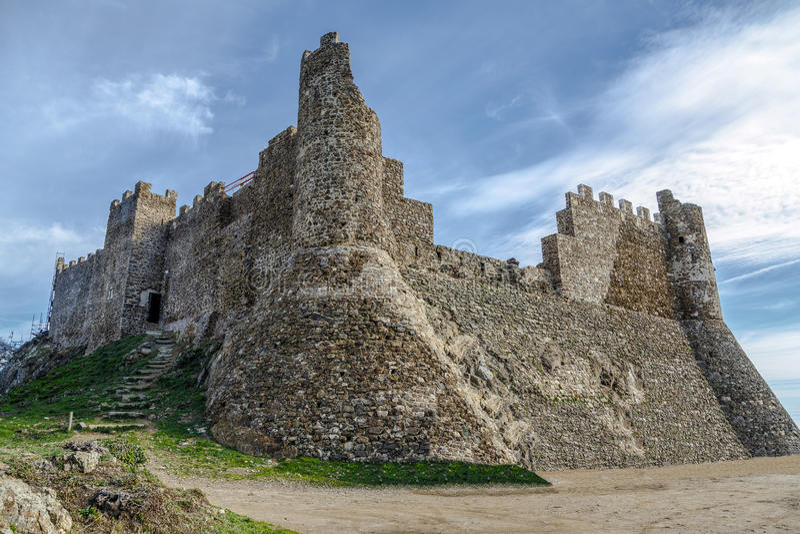 Montsoriu城堡在蒙塞尼自然公园,卡塔龙尼亚西班牙 免版税库存照片