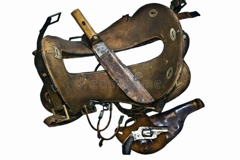 Montura vieja, arma, cuchillo, estímulos imagenes de archivo