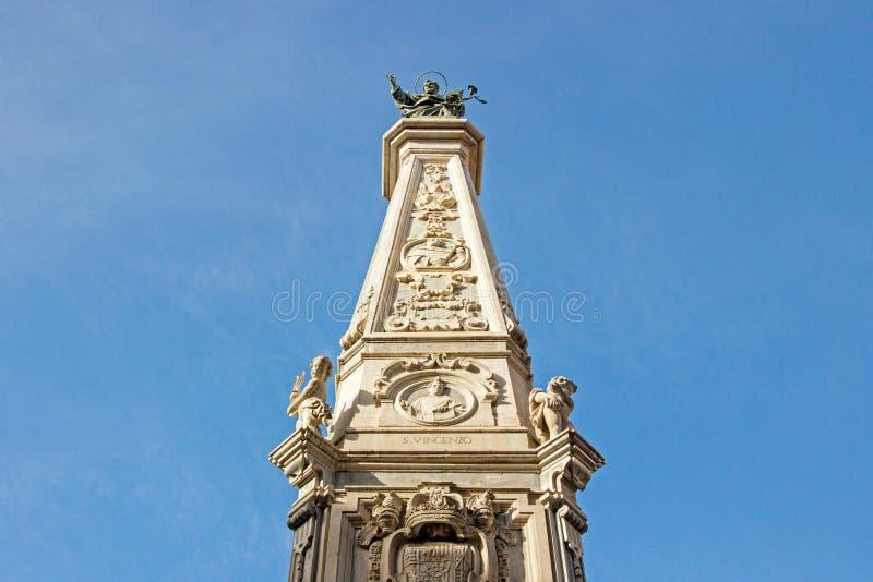 Monument an ¹ Nuovo Piazza Del Gesà stockfotografie