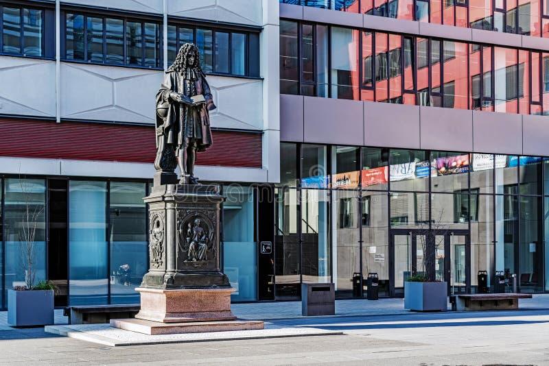 Monument à Gottfried Wilhelm Leibniz photos stock