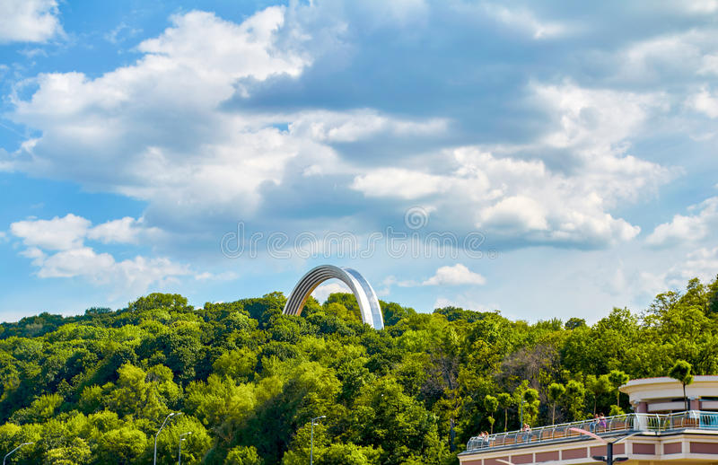 Monument à la Réunion de l'Ukraine et de la Russie à Kiev, Ukraine image stock