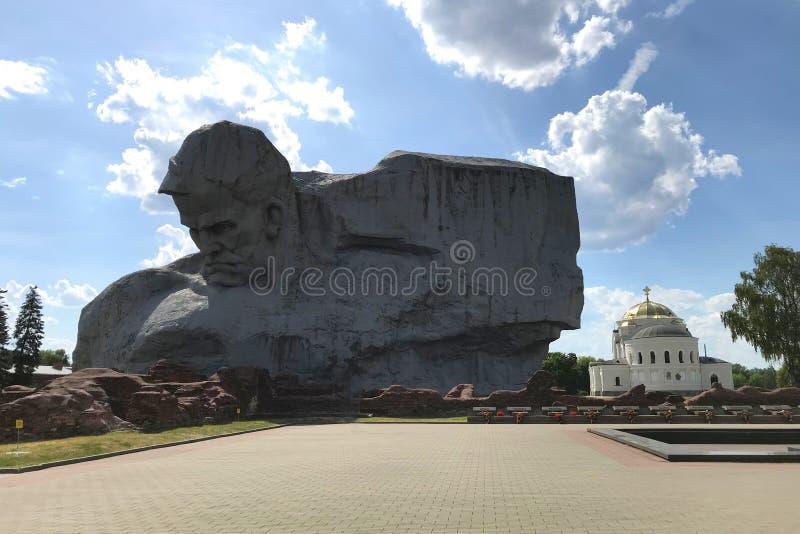 Monument 'Mut 'und Sankt- Nikolausgarnisonkirche in der Brest-Festung, Weißrussland lizenzfreie stockfotos