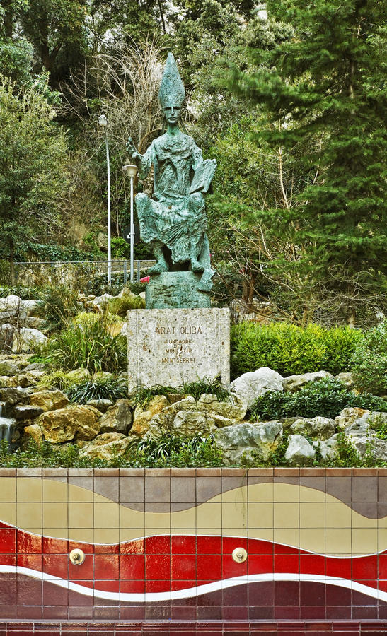 Monument aan abt Oliba in Santa Maria de Montserrat Abbey dichtbij Barcelona spanje royalty-vrije stock foto's