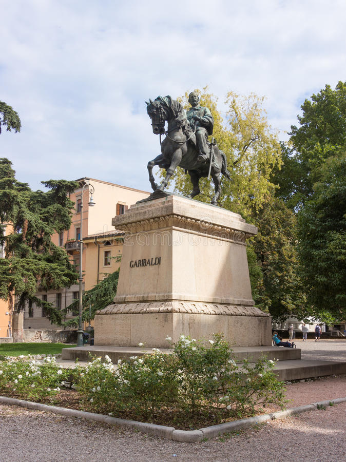 Monument aan Giuseppe Garibaldi in Verona royalty-vrije stock foto