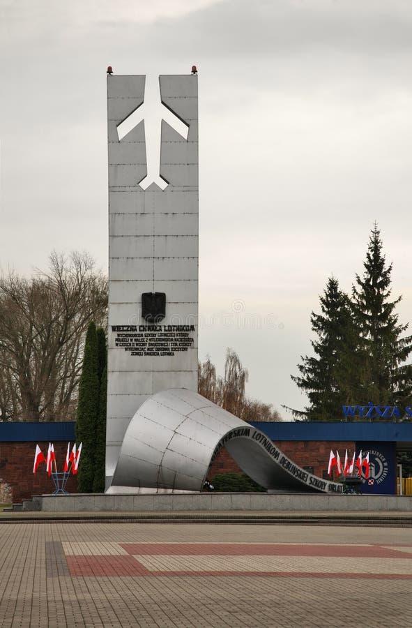 Monument aan Heldhaftige Vliegeniers in Deblin polen stock foto's