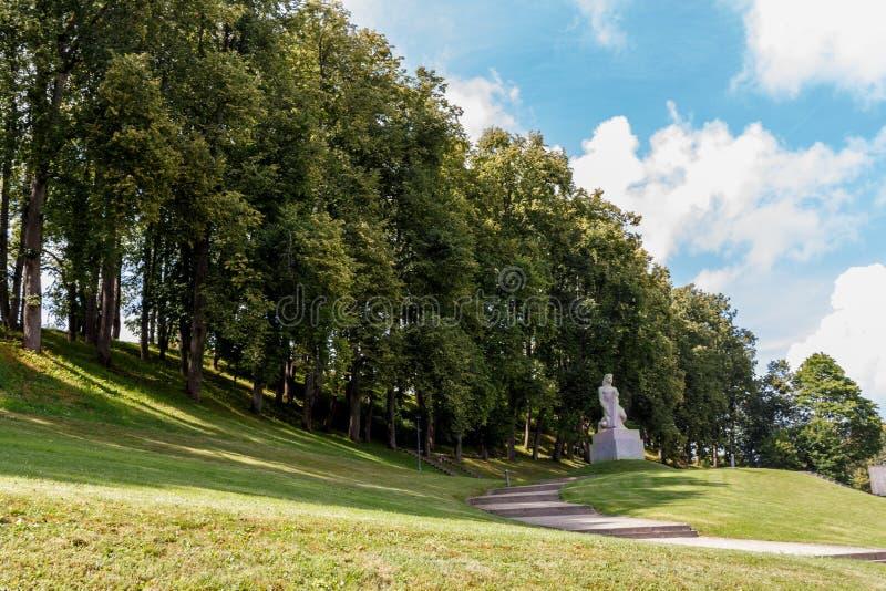 """Monument aan het geheugen van vrijheidsvechters KoklÄ """"tÄ  js, Talsi, stock fotografie"""