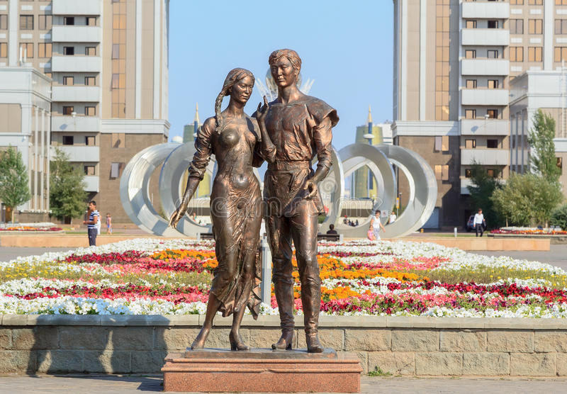 Monument aan liefde Astana, Kazachstan royalty-vrije stock foto's