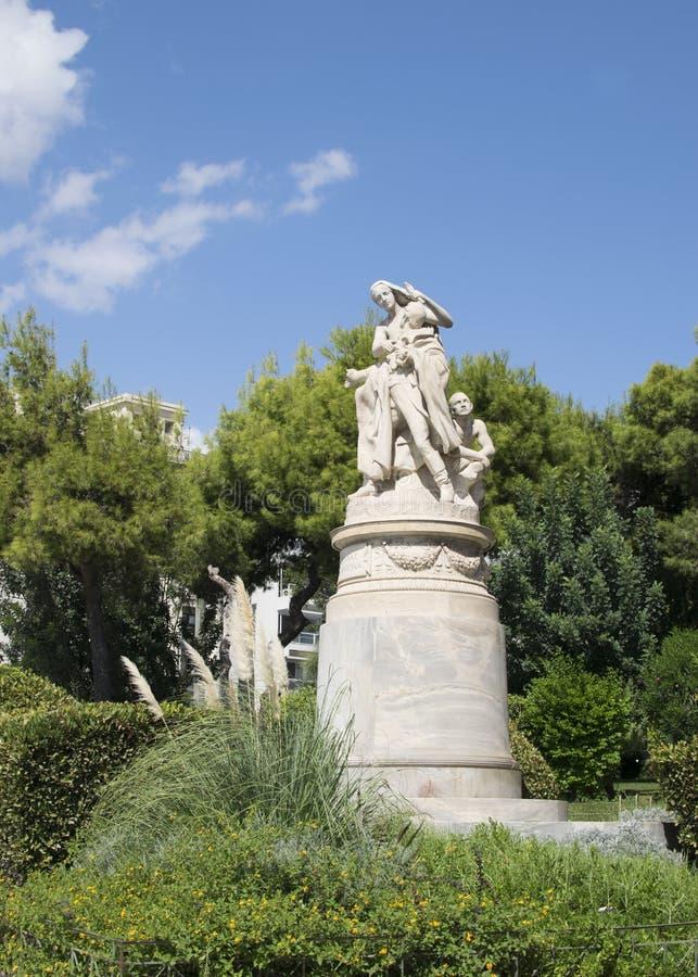 Monument aan Lord Byron in Athene van wit marmer stock afbeeldingen